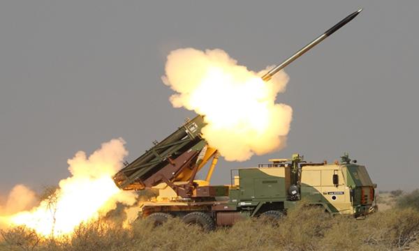 """""""皮那卡""""火箭炮"""