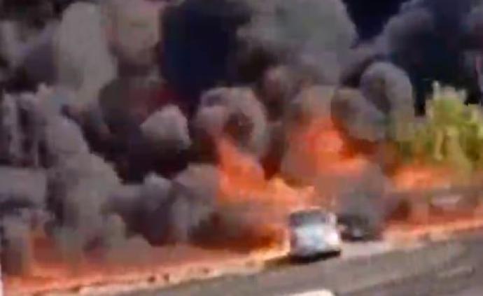 埃及一石油管道公司油品泄漏引发严重火灾,伤亡情况不明