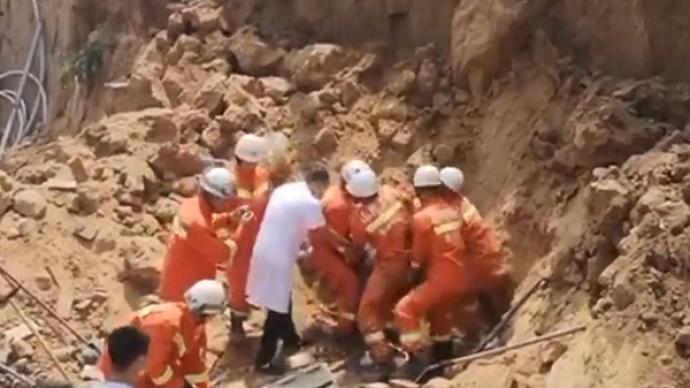 山西平遙村民挖儲藏室時發生坍塌,致3死1傷