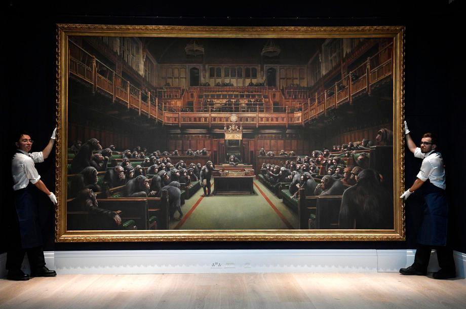 2019年10月,英国伦敦苏富比以990万英镑售出班克斯的作品。