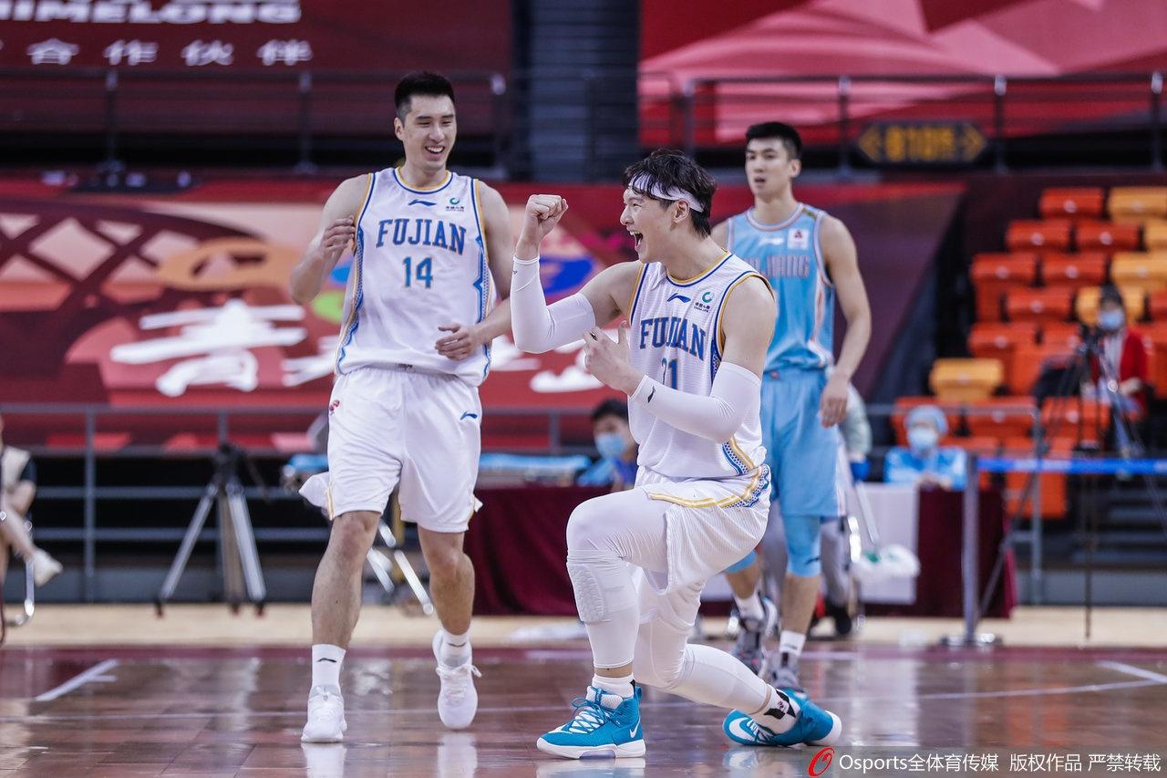 王哲林率领福建队晋级季后赛。
