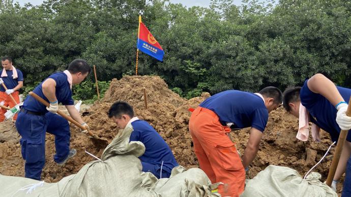 直播录像丨安徽芜湖一圩堤裂缝有村庄被淹,救援力量紧急合围