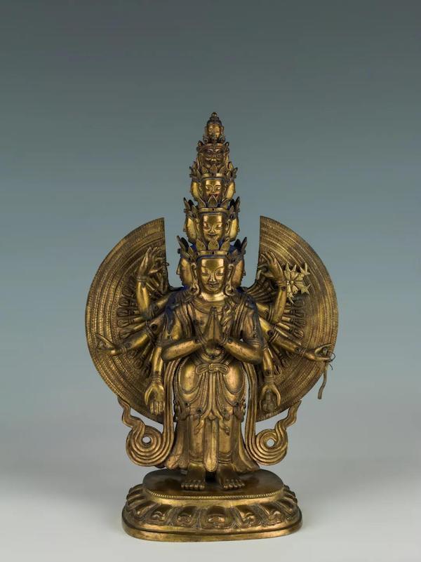 千手观世音菩萨,清代,铜鎏金,通高24.5厘米,首都博物馆藏