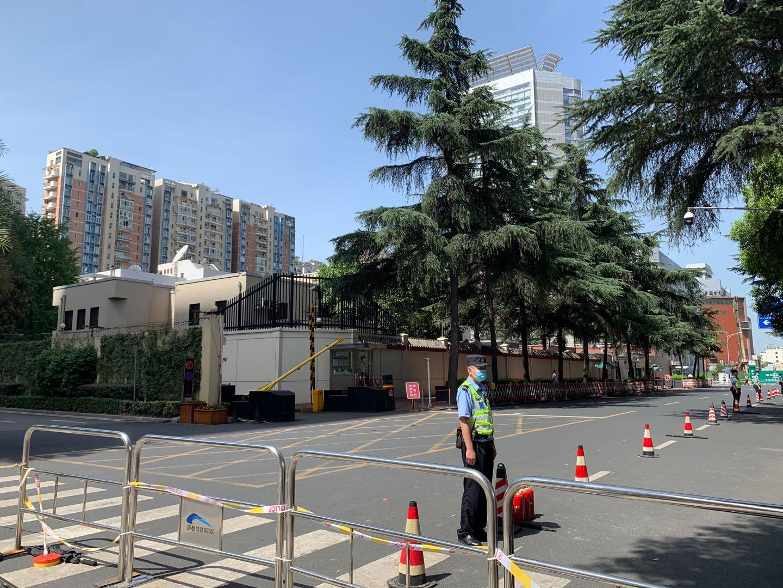 7月26日,成都领事馆路已封闭,社会车辆需绕行。