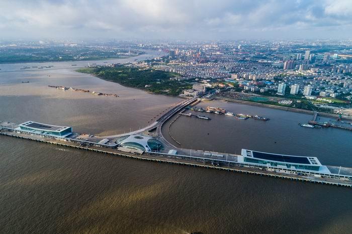 上海吴淞口国际邮轮港客运大楼