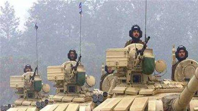 """印度斥巨资采购武器,首批法国""""阵风""""战斗机已抵印北部基地"""
