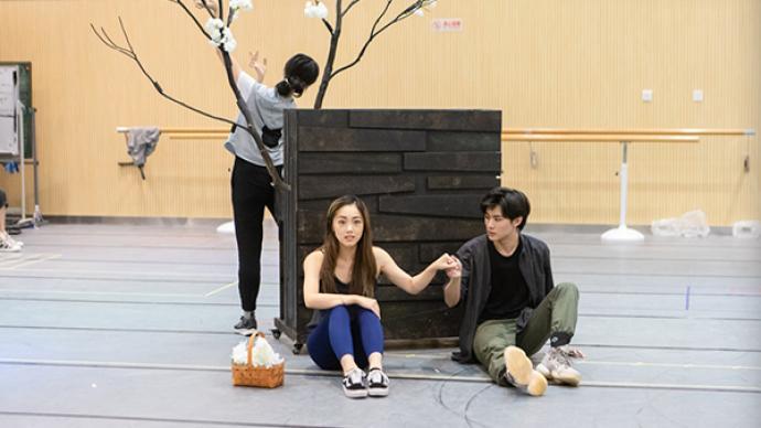 从观众席走到舞台中央,郑艺彬要演音乐剧《春之觉醒》了