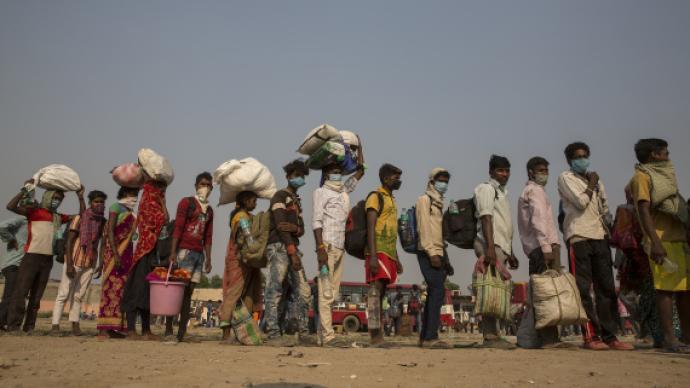 新冠印相 用微信借钱的印度朋友:疫情下普通人生活陷入窘境