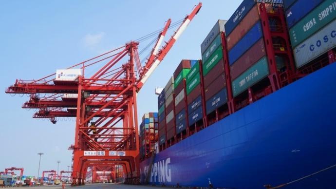 上海港7月集装箱吞吐量突破390万标准箱,创历史新高