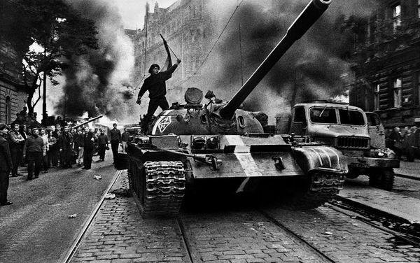 """1968年捷克斯洛伐克的""""布拉格之春"""""""