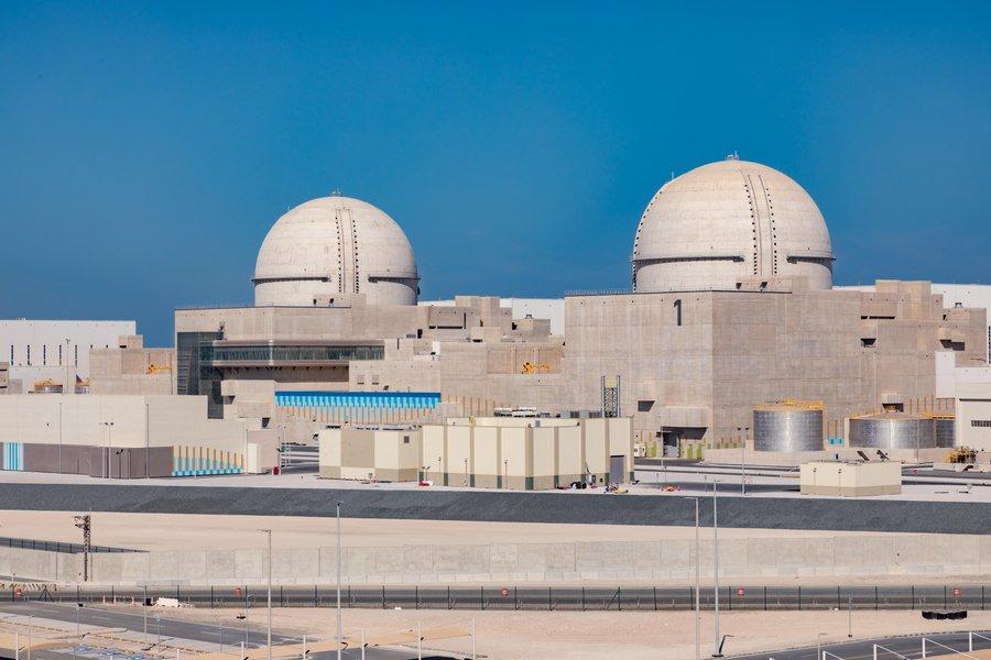 阿拉伯联合酋长国首座核电站巴拉卡核电站投入运行,这也是阿拉伯世界首座核电站。