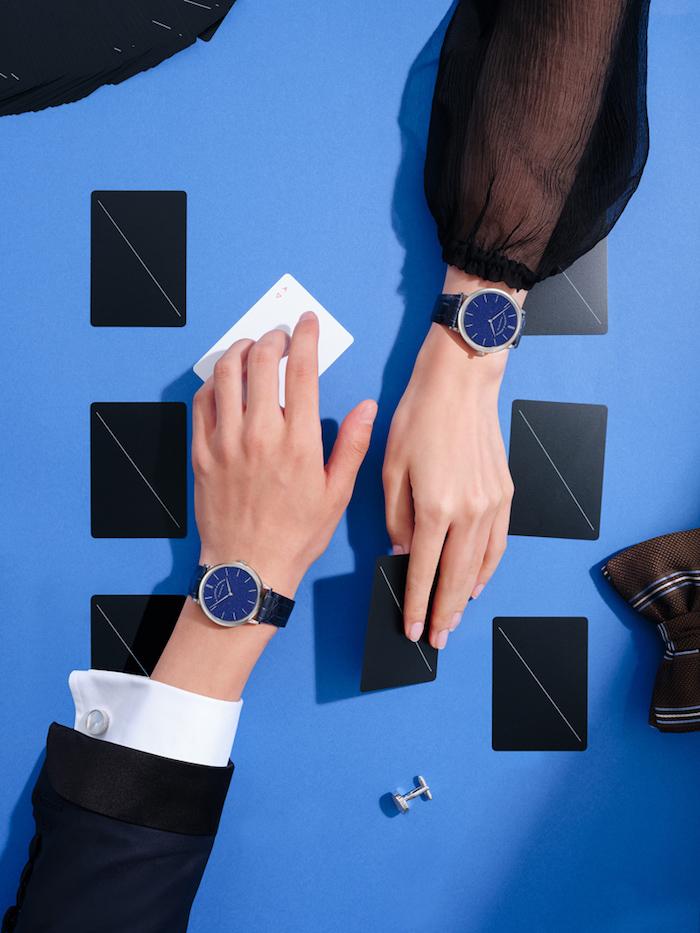 SAXONIA萨克森纤薄腕表采用39毫米尺寸设计,男女皆可佩戴。