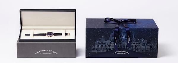 值此七夕,朗格为SAXONIA萨克森纤薄腕表倾情打造了20份星空限量礼盒。