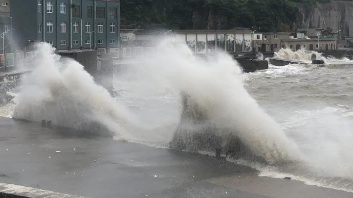 """台风""""黑格比""""已离开江苏,苏州三个乡镇出现大暴雨"""