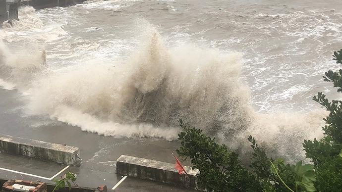 """上海防汛指挥部:""""黑格比""""已远离,终止防汛防台Ⅲ级响应"""