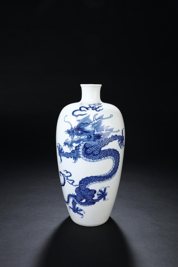 清康熙 青花龙纹瓶