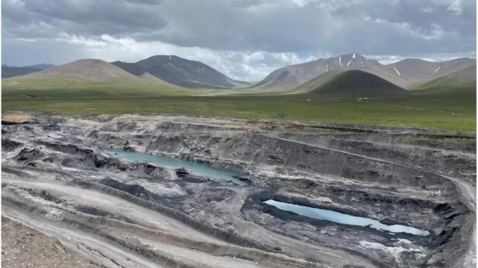 """青海""""隐形首富""""非法采煤赚百亿,新华社:谁在监管放水?"""