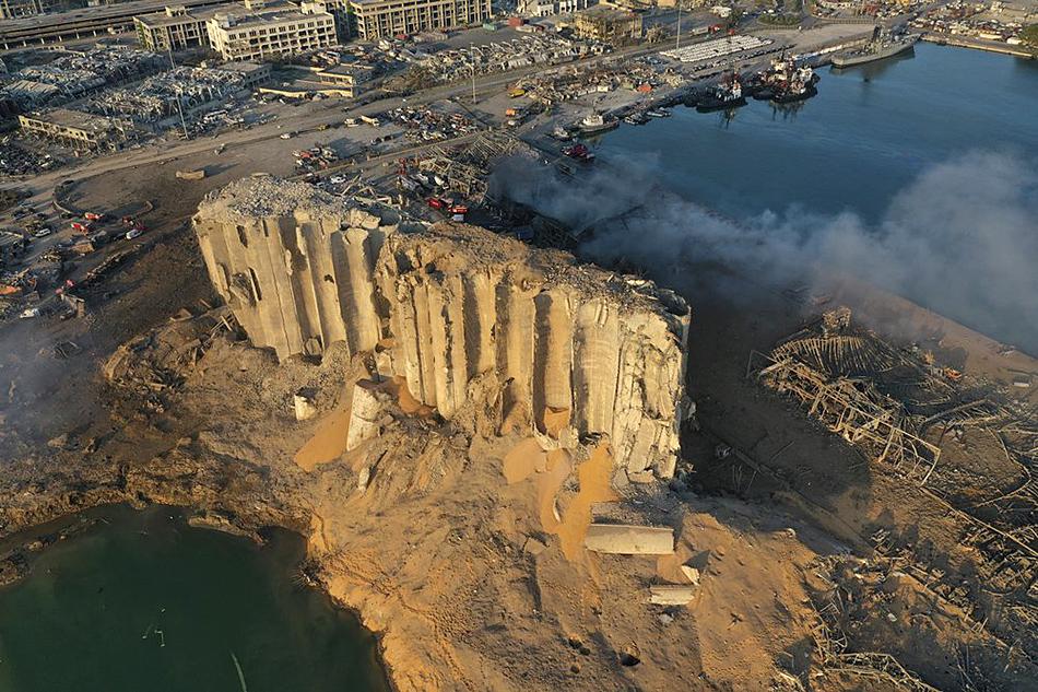 黎巴嫩约有85%的谷物存储在这批被摧毁的筒仓中。