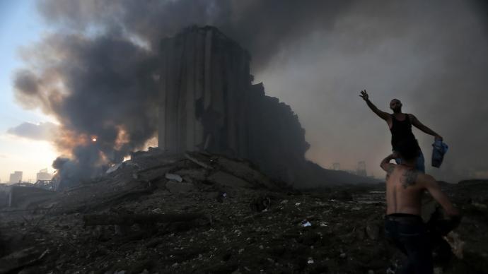 多图直击|贝鲁特致命爆炸后的自救与危机
