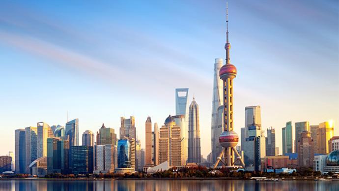 """科技日报头版头条关注""""大上海里的小确幸"""":政府围着群众转"""