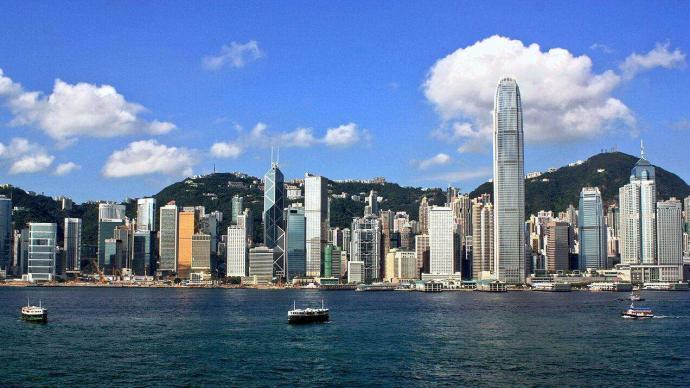董建华:香港国安法有效防止外国势力利用香港分裂国家