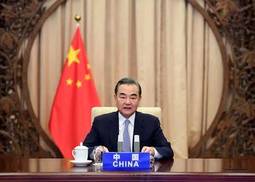 2020年7月27日,中国、阿富汗、巴基斯坦和尼泊尔四国外长举行应对新冠肺炎疫情视频会议。中国国务委员兼外长王毅主持会议。