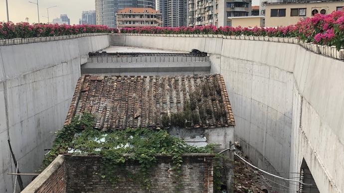 """广州""""桥中房""""背后:被绕过的""""钉子户""""和被浪费的公共资源"""