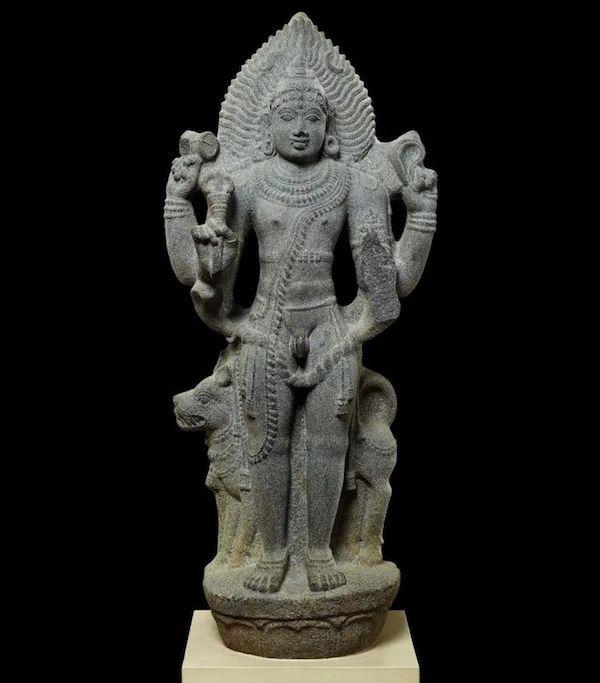 """特展""""怛特罗:革命的启蒙"""",花岗岩陪胪造像,泰米尔纳德邦,印度,11世纪"""