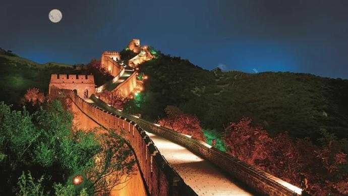 明起2个月内,每周五、六及中秋国庆可预约夜游八达岭长城