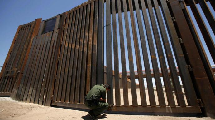 美国联邦法院:众议院民主党有权起诉特朗普对美墨边境墙资助