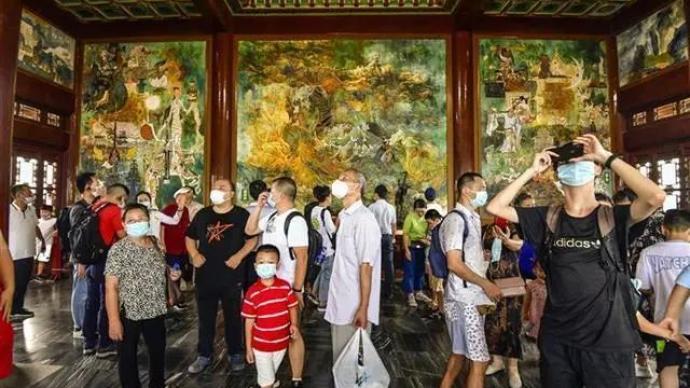 免票首日武漢景區人氣高,黃鶴樓客流量跳漲3倍