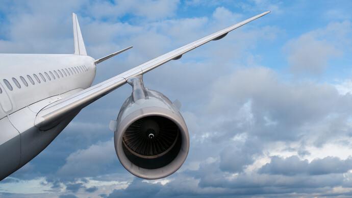 深航一客機發生機械故障:2分鐘內驟降近六千米,現已安全返航