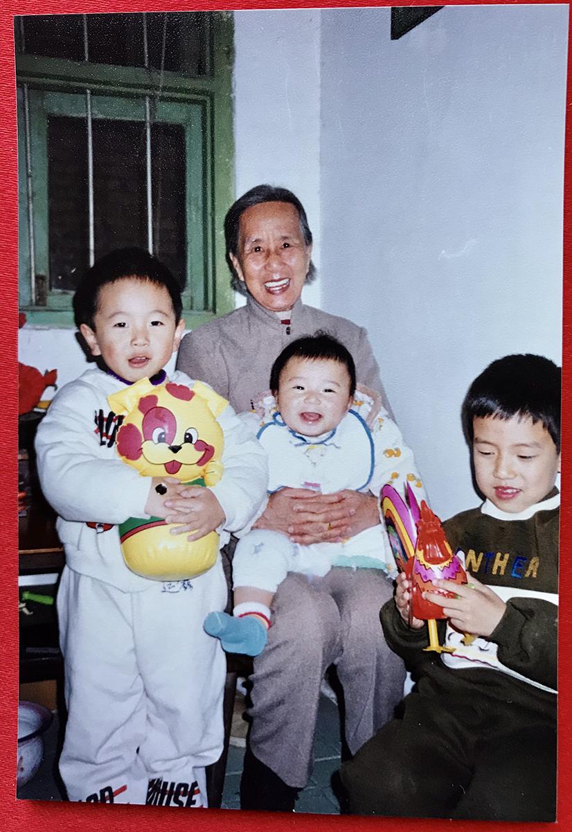 1997年,外婆,我与我的表弟。