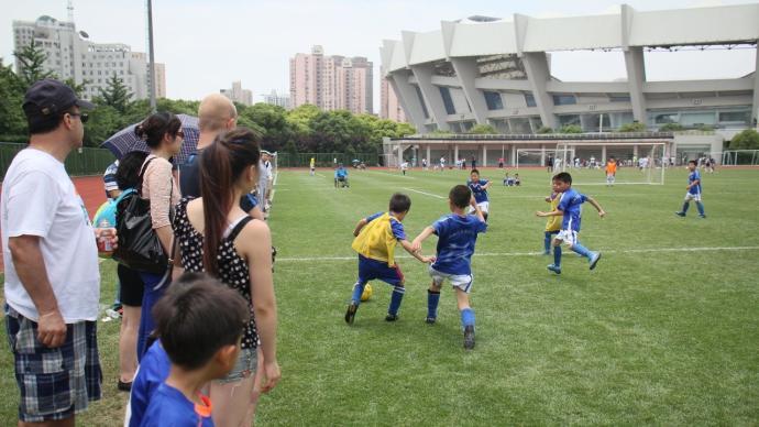 """更多中國父母為體育""""一擲千金"""":超5成孩子報名體育特長班"""