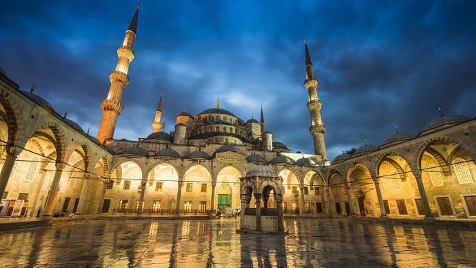 """圣索菲亚教堂改清真寺背后:伊斯坦布尔""""土耳其化""""百年史"""