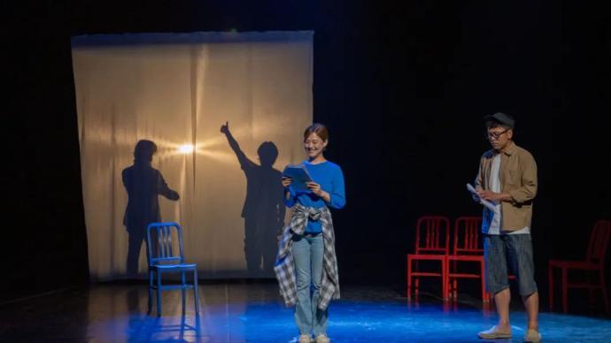 在剧本朗读会中,《被嫌弃的松子的一生》等作品该怎样呈现?