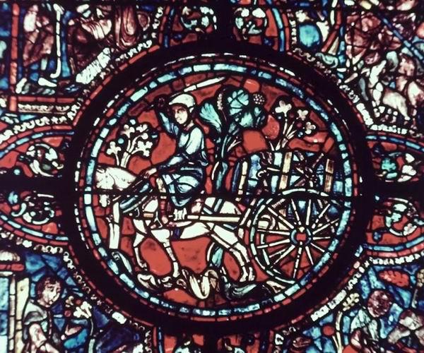 沙特尔大教堂中的彩色玻璃
