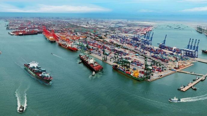商務部部長鐘山:讓政策惠及更多外貿企業