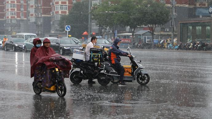"""气象专家谈""""北京降雨姗姗来迟"""":暴雨精准预报仍是世界难题"""