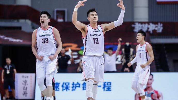 郭艾伦导演22分逆转!辽宁男篮击败广东,总决赛1-1战平