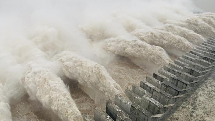 直擊現場:三峽樞紐迎來建庫以來最大洪峰,開啟11孔泄洪
