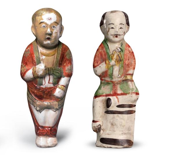 左:宋 五彩瓷童子像 故宫博物院藏 右:宋 瓷加彩童子坐像 故宫博物院藏