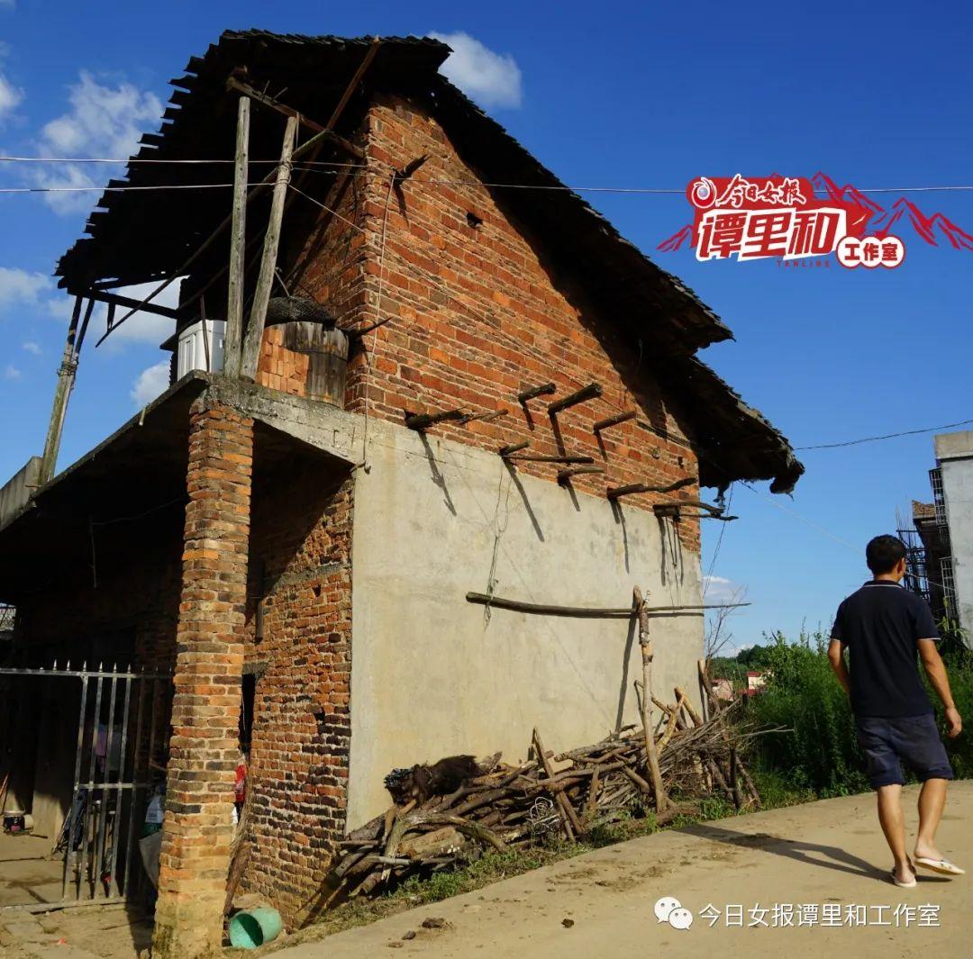9年過去,陳陸洋的家貧窮依舊