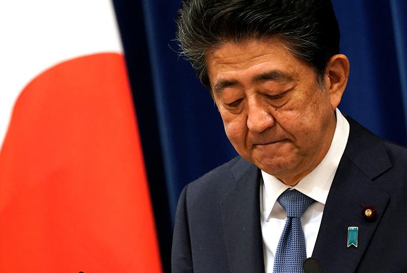 当地时间2020年8月28日下午,日本东京,日本首相安倍晋三在东京首相官邸召开记者会。
