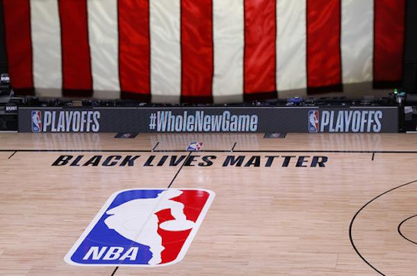 为抗议布莱克遭枪击事件,密尔沃基雄鹿队26日在社交网站发布通告,抵制当天将与奥兰多魔术队进行的季后赛。