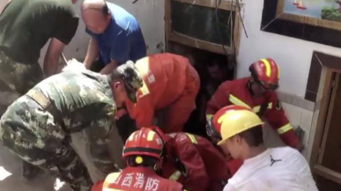 """山西一飯店坍塌已致13死,涉事建筑加蓋""""棚子""""并有地下室"""