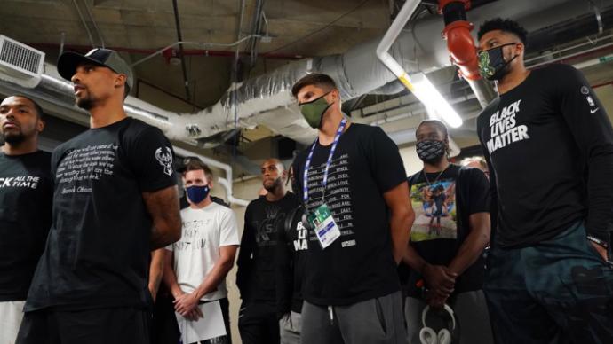 """被扣""""政治組織""""帽子,NBA過去48小時經歷了什么?"""