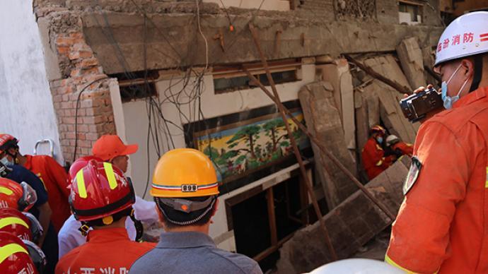山西襄汾聚仙飯店坍塌:當地村民稱房屋為20年前預制板搭的