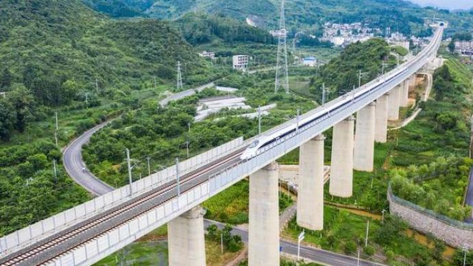 國鐵集團上半年固定資產投資完成3259億元,超額完成任務