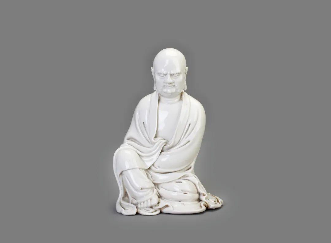 德化窑白釉达摩坐像